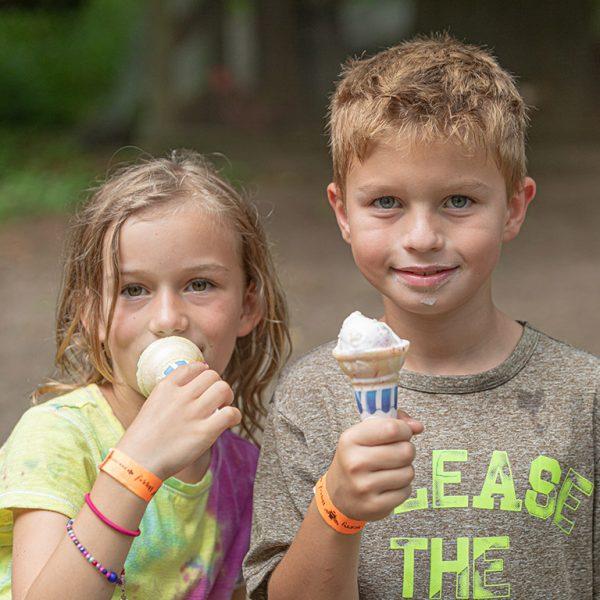 Two children with ice cream cones